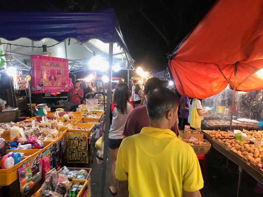 Tuesday pasar malam at Taman PelangiJohor